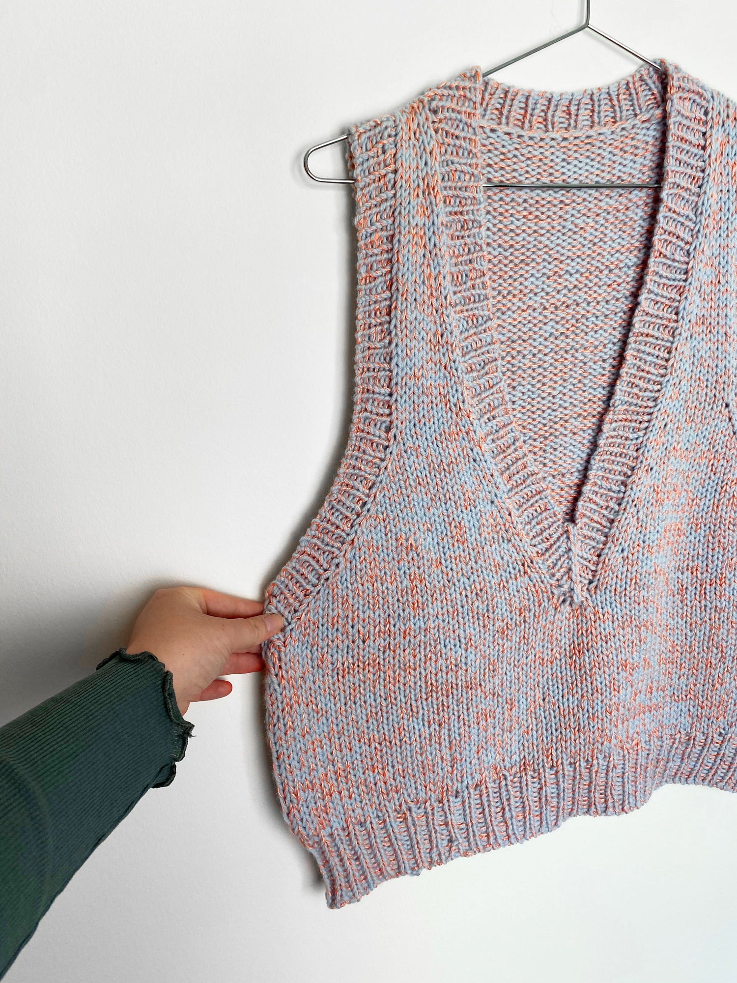 Treasure Vest (English) knitting pattern
